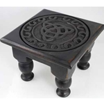 Triquetra Altar Table 45-RAT642